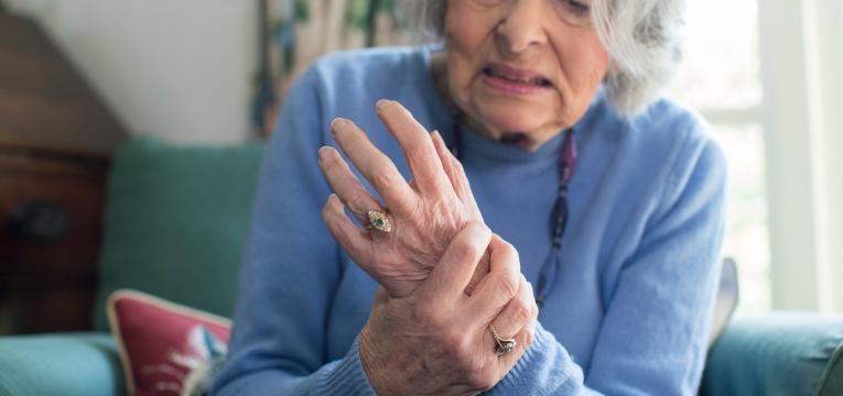 artrite reumatoide sinais e sintomas