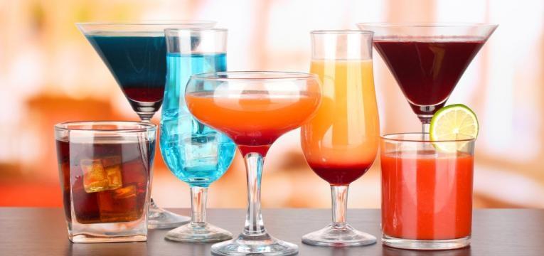 diferentes bebidas alcoolicas