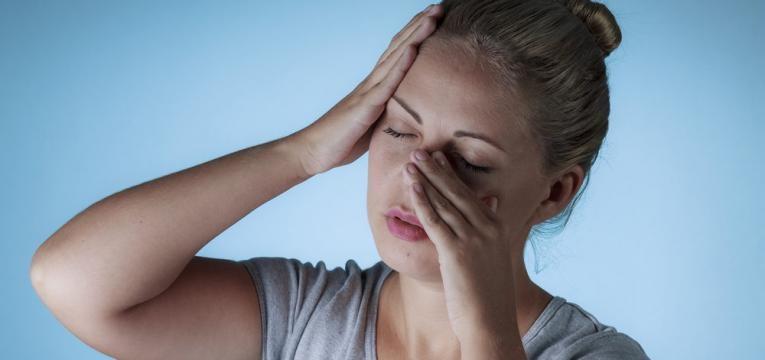 dor de cabeca e congestionamento nasal
