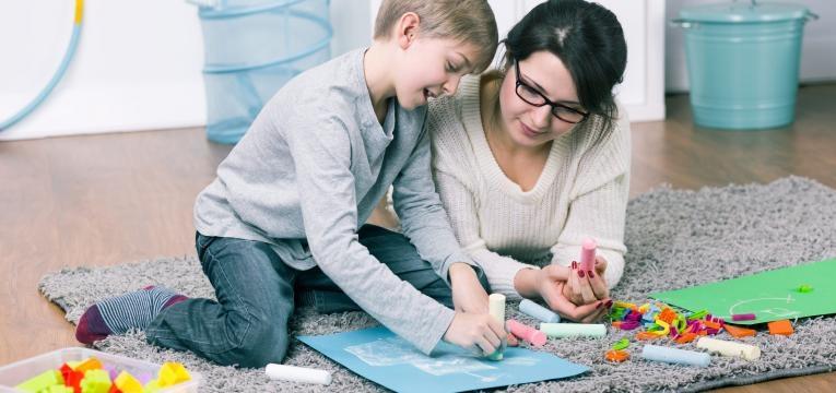 filhos que brincam com os pais sao mais sucedidos e estudo realizado