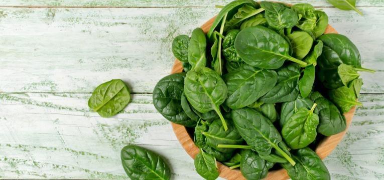 alimentacao no tratamento do cancro e vegetais de folhas verdes