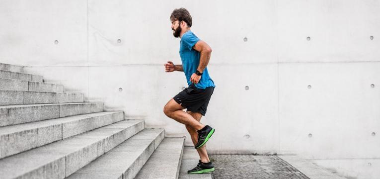 posicionamento do corpo perante a corrida