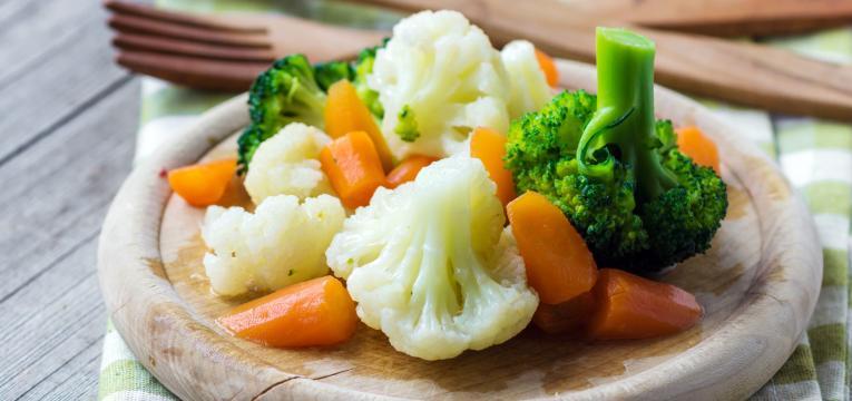 vegetais cozidos e alimentos que ajudam na digestao