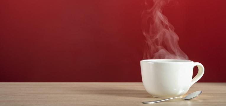 cafe e cha com cafeina