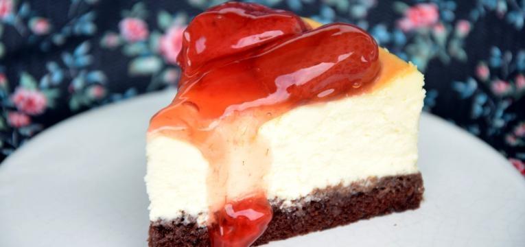 cheesecake de morango tradicional