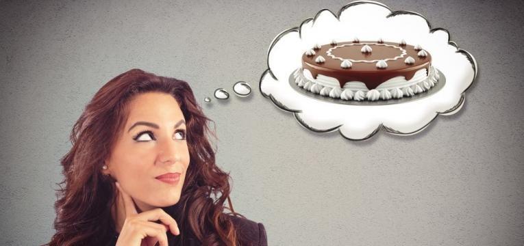 pensar em comer bolo