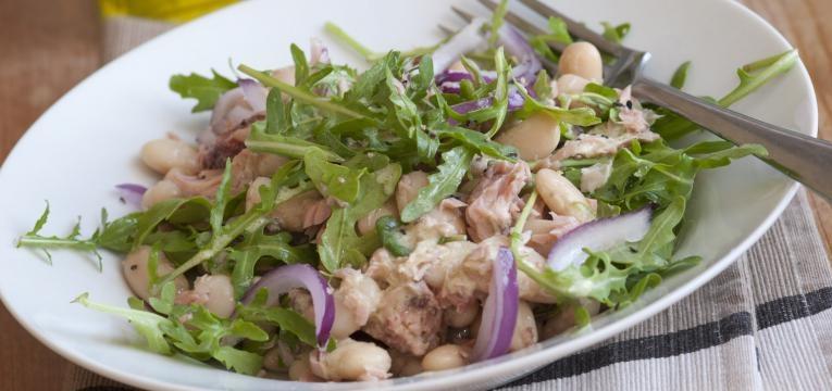 Salada de atum com rucula