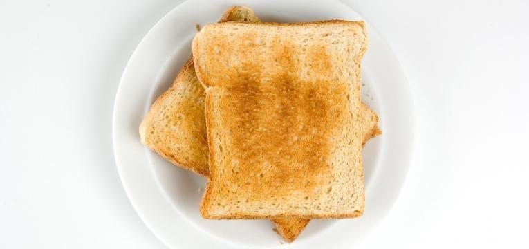 torrada com manteiga