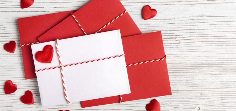 postal de dia da mãe em presentes feitos à mão para o dia da mãe