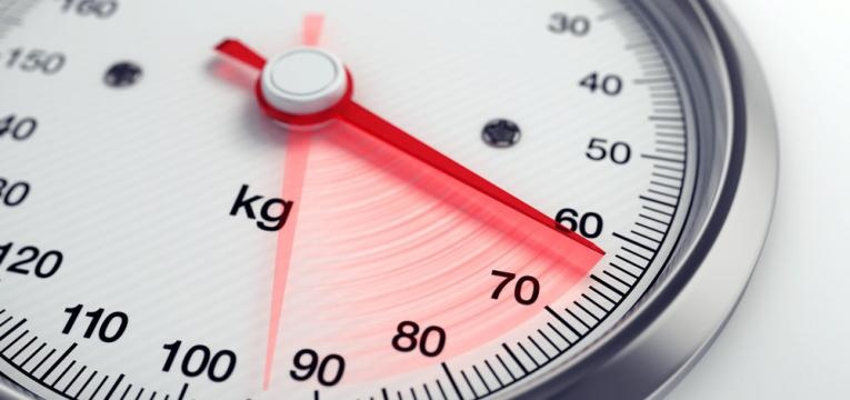 desconfie de uma dieta e balanca a marcar peso