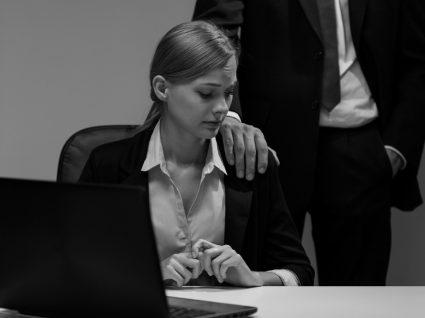 Como lidar com o assédio sexual no local de trabalho