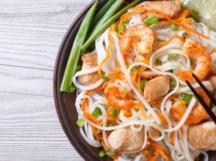 Receitas com noodles de arroz para dias apressados