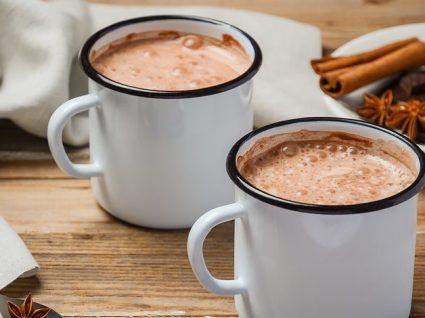 Chocolate quente saudável: 5 opções para saborear na dieta