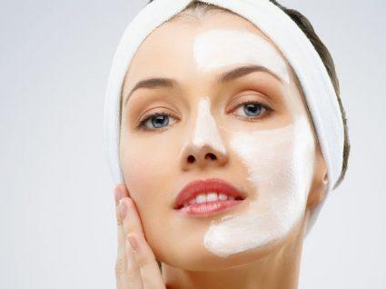Os melhores tratamentos de rosto para uma pele lisa e jovem