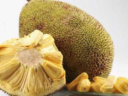 """Jaca: uma fruta doce como um """"doce"""""""