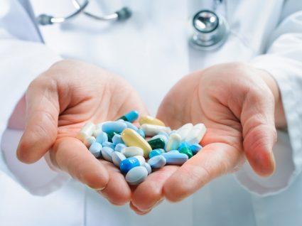 Anti-inflamatórios não esteróides (AINEs): tudo o que precisa de saber
