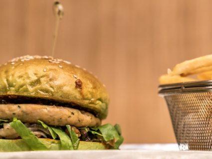 3 Receitas de hambúrgueres no pão saudáveis (incluindo o pão!)