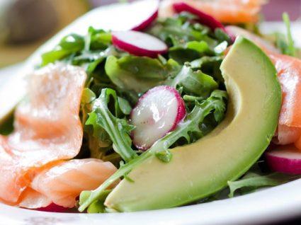 Saladas completas com as calorias certas: 4 receitas para provar