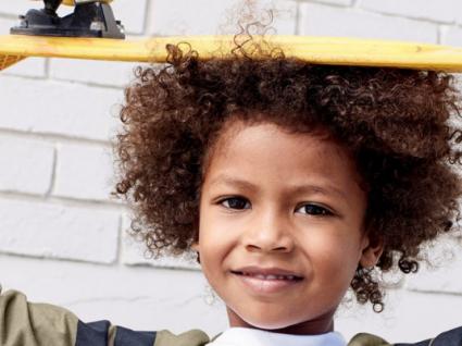 Estilo desportivo para meninos: para dias descomplicados e divertidos