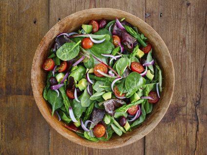 A importância das saladas na perda de peso