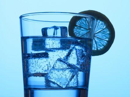 A água com gás faz mal?