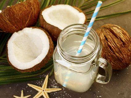 A água de coco emagrece?