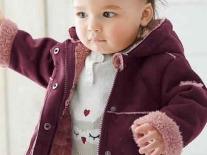 Alerta rosa: algodão doce em forma de roupa