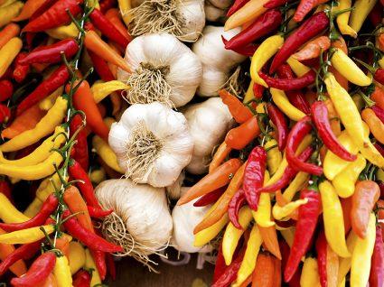 Os 10 melhores alimentos anti-inflamatórios: reforce o seu sistema imunitário