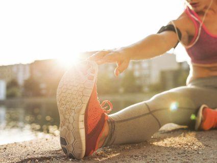Alongamentos de pernas para antes e depois do treino