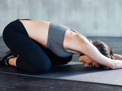 9 Exercícios de alongamento que tem de fazer depois de treinar