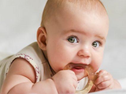 Como se desenvolve o bebé aos 6 meses de idade