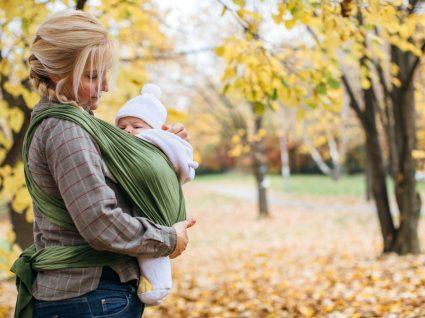 Babywearing: um porta-bebés cheio de benefícios