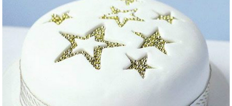 bolo de natal com estrelas