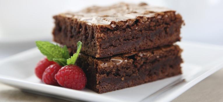 brownie de batata-doce, framboesa e canela