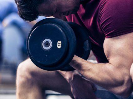Treino de ginásio para tonificar os braços: 4 exercícios eficazes