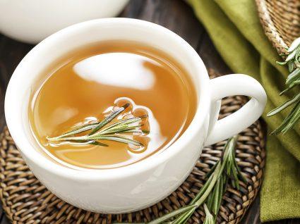 Alimentos e chá para a infeção urinária