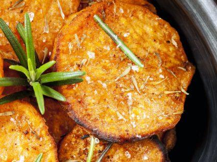 Receitas de chips de batata-doce: 4 sugestões