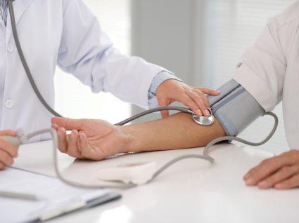 como baixar a tensao arterial fatores que ajudam