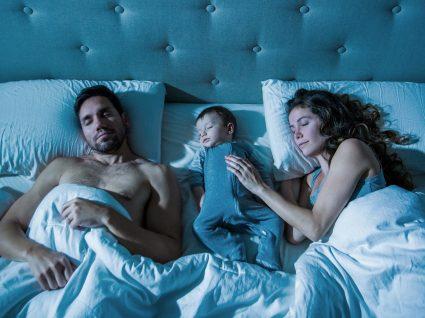 Pais: estas foram as horas de sono que perderam desde que o vosso primeiro filho nasceu