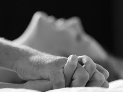 Tudo o que precisa de saber sobre eletroestimulação erótica