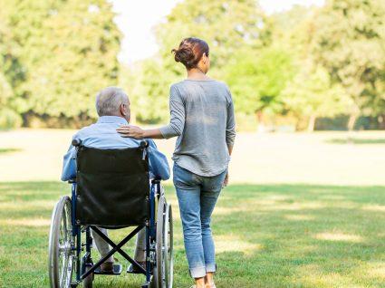 4 razões para escolher um cuidador de idosos