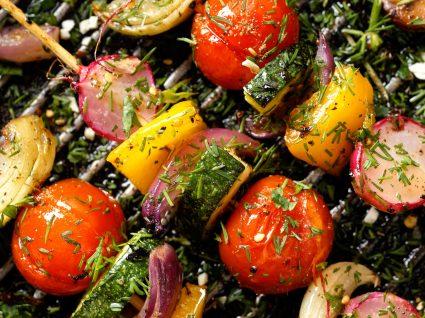 10 Passos para fazer um churrasco saudável