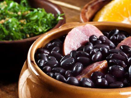 Feijoada à brasileira: aprenda a receita tradicional completa