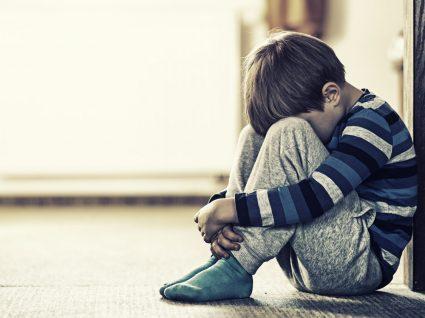 Sintomas da depressão infantil a que deve estar atento