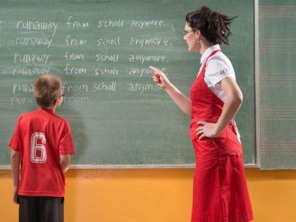 O professor queixa-se da sua criança? Saiba como deve reagir!