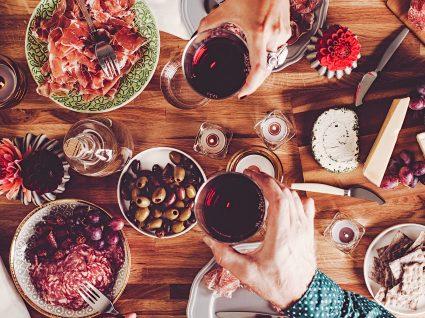 Ideias para um jantar com amigos: 6 receitas deliciosas