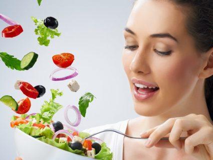 O perigo de comer sempre os mesmos alimentos: variar é a chave