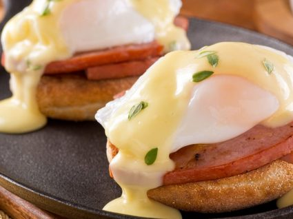 Ovos Bennedict: uma receita saudável e deliciosa a experimentar