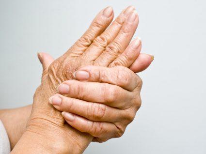 Artrite: o que precisa de saber sobre esta condição