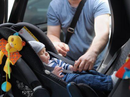 Bebé a bordo: essenciais para viajar em segurança
